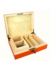 Wooden humidor with sifter - hinged cover opened